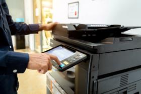 Tinta de color frente al análisis de costos de impresión en blanco y negro